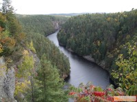 Cliff side Barron River view